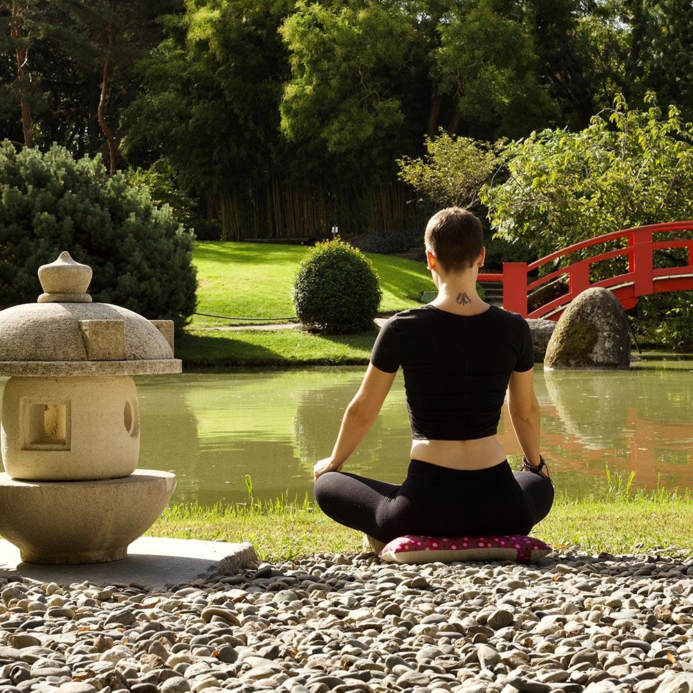 Coussin artisanal de méditation de voyage fait en France Yuwa